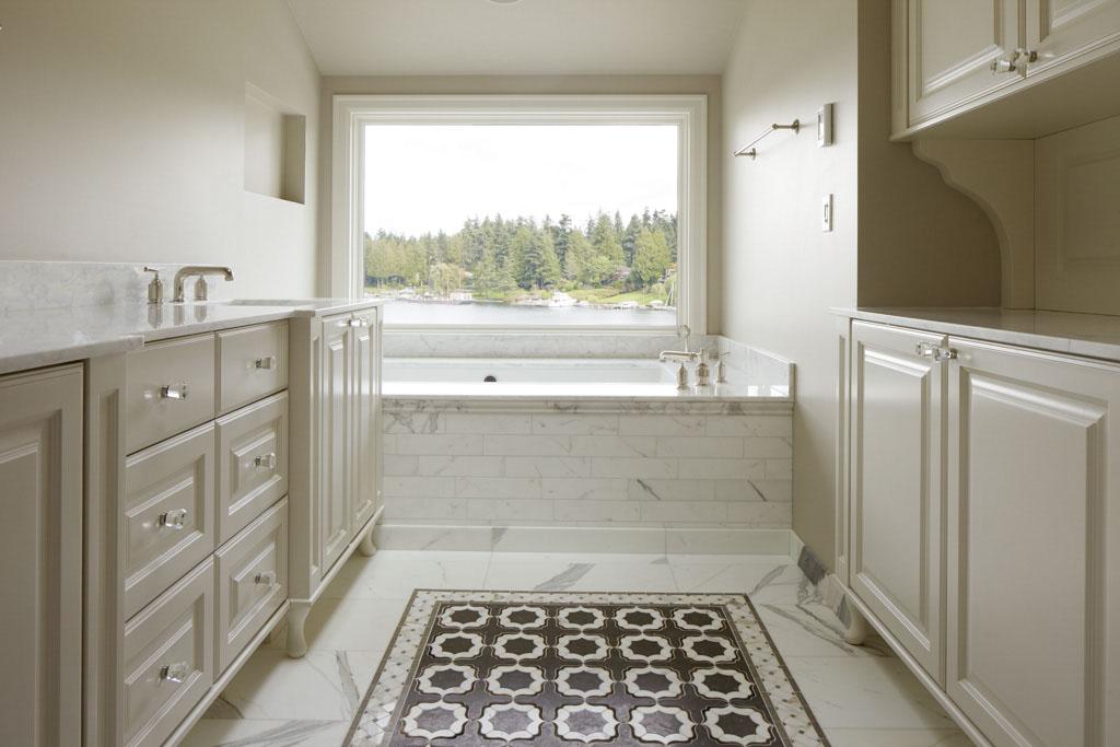 15 Medina Bathroom.jpg