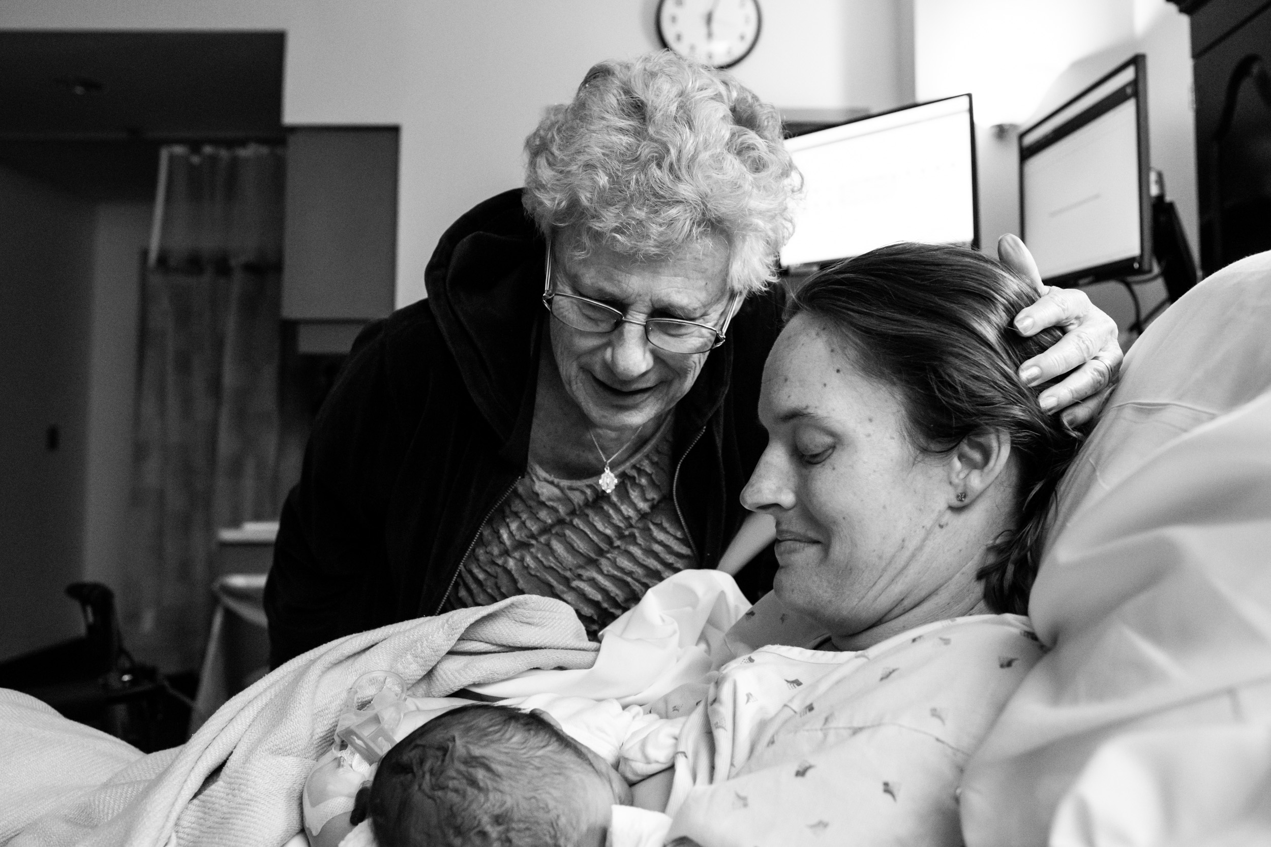 family meeting newborn at the hospital