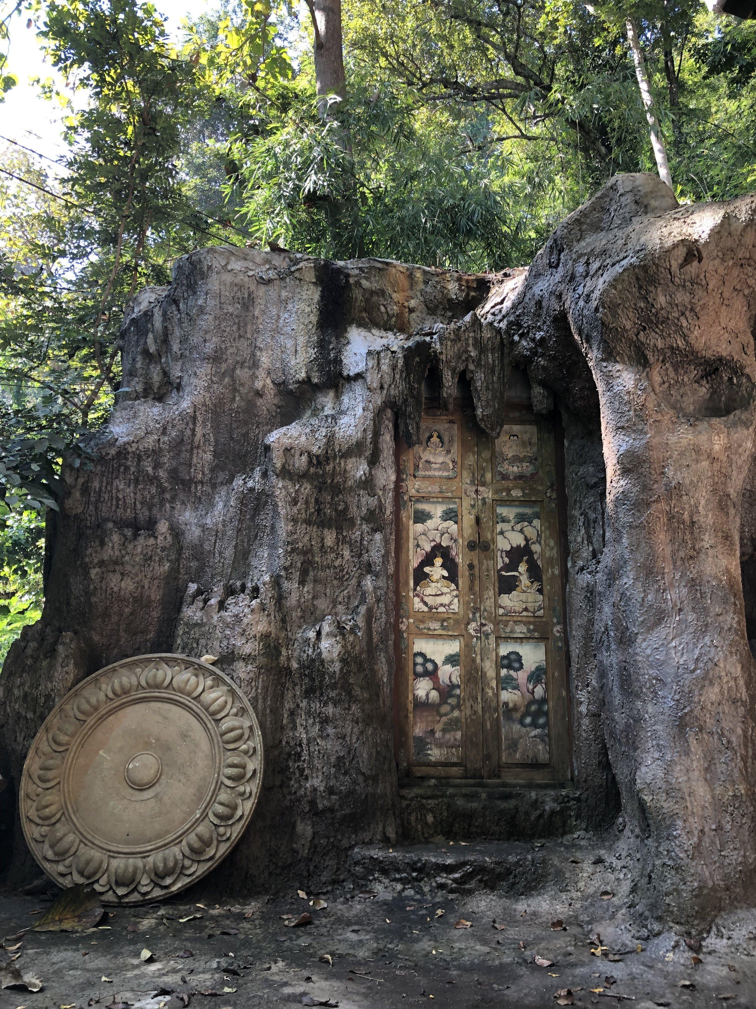 स्थिरसुखमासनम् ॥४६॥  sthira-sukham-āsanam ॥46॥