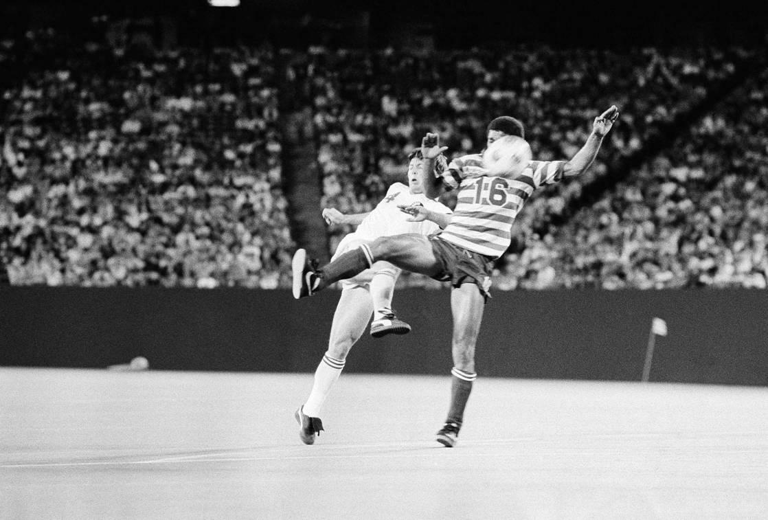Team America 83 Road Pedro DeBrito, Cosmos 7-6-1983.jpg