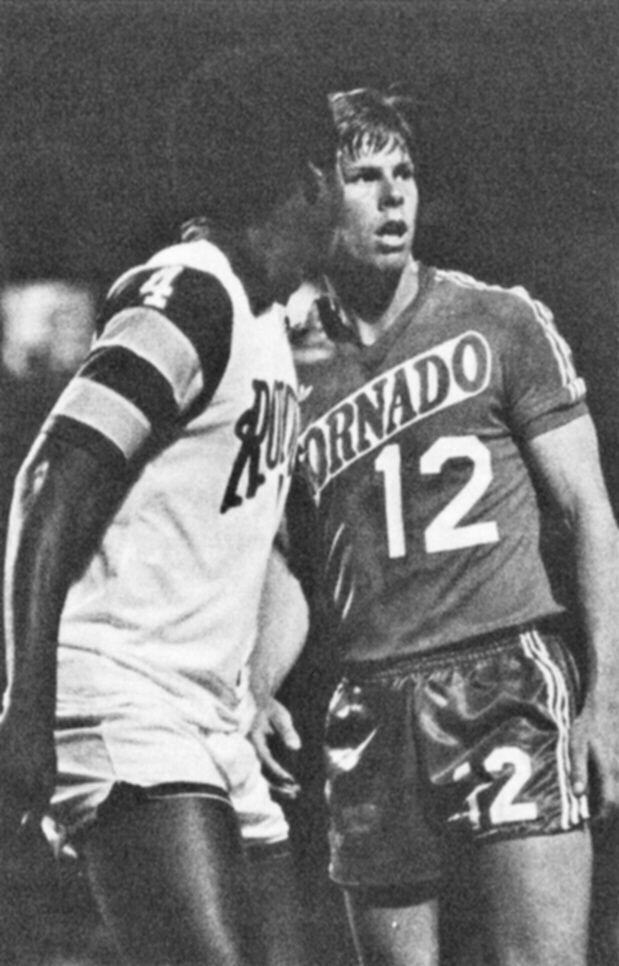 Arsene Auguste vs Kyle Rote (Tornado) 1977.jpg