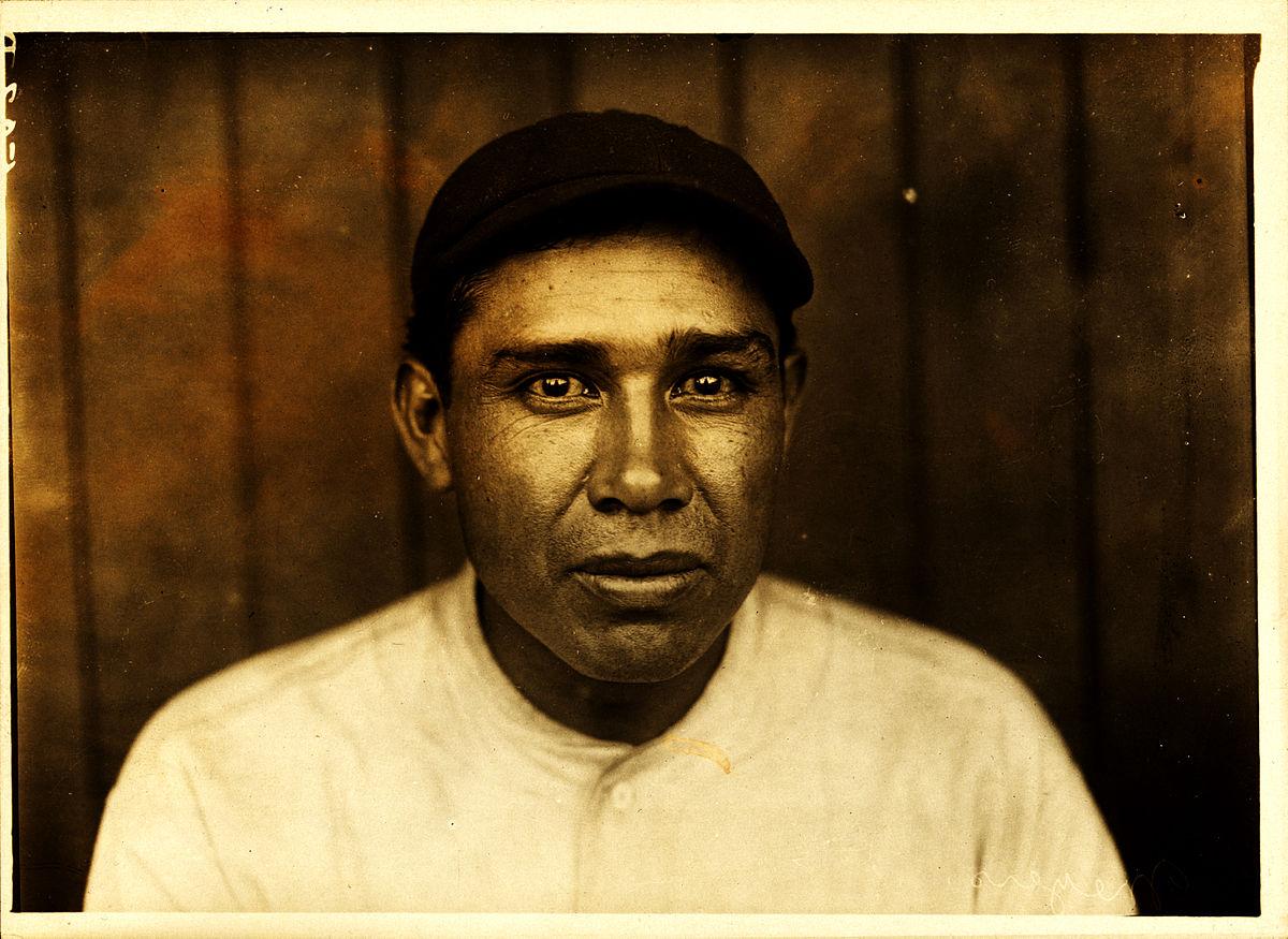 1200px-Chief_Meyers,_New_York_Giants_catcher,_by_Paul_Thompson,_1910.jpg