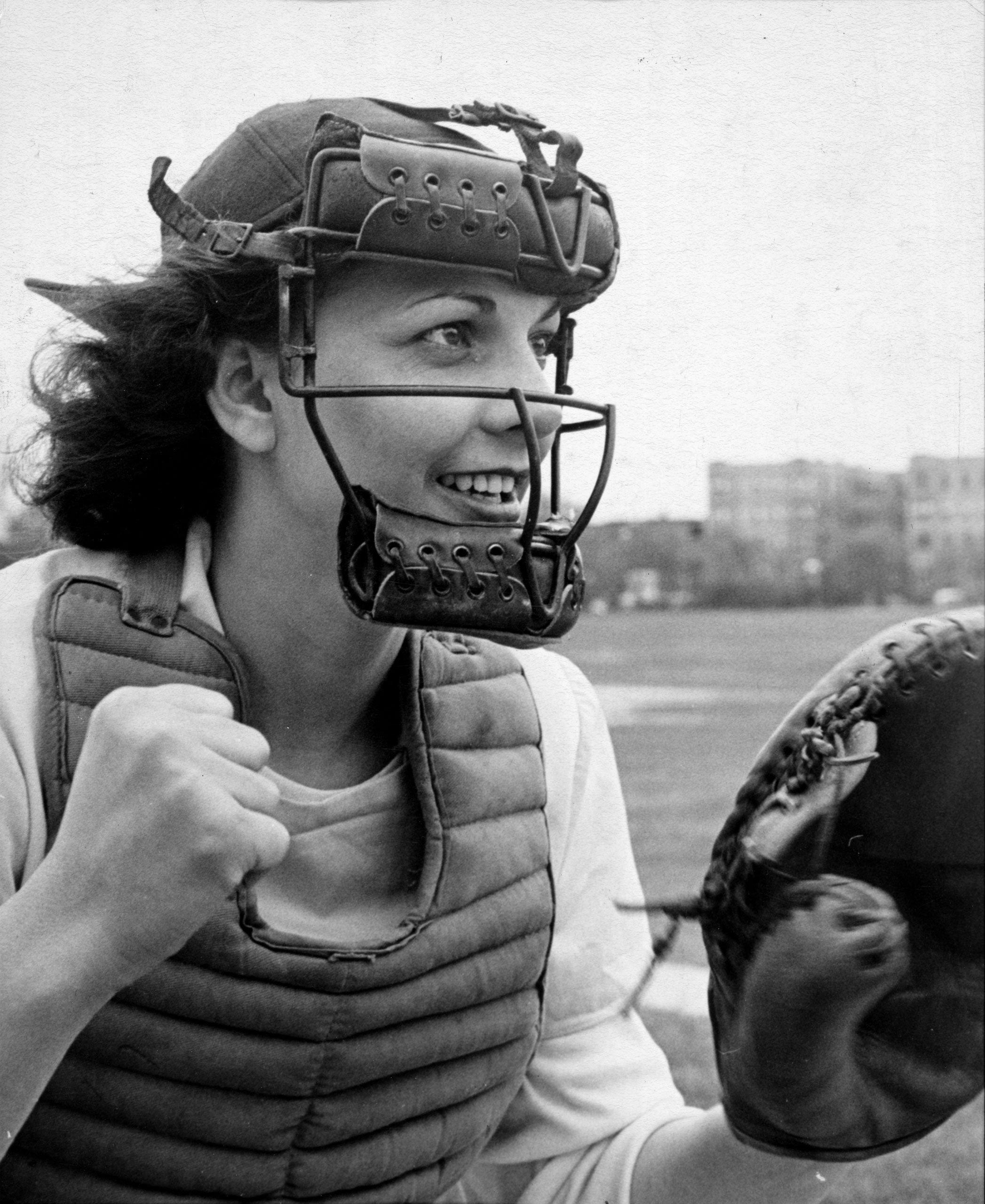 150326-girls-baseball-01.jpg