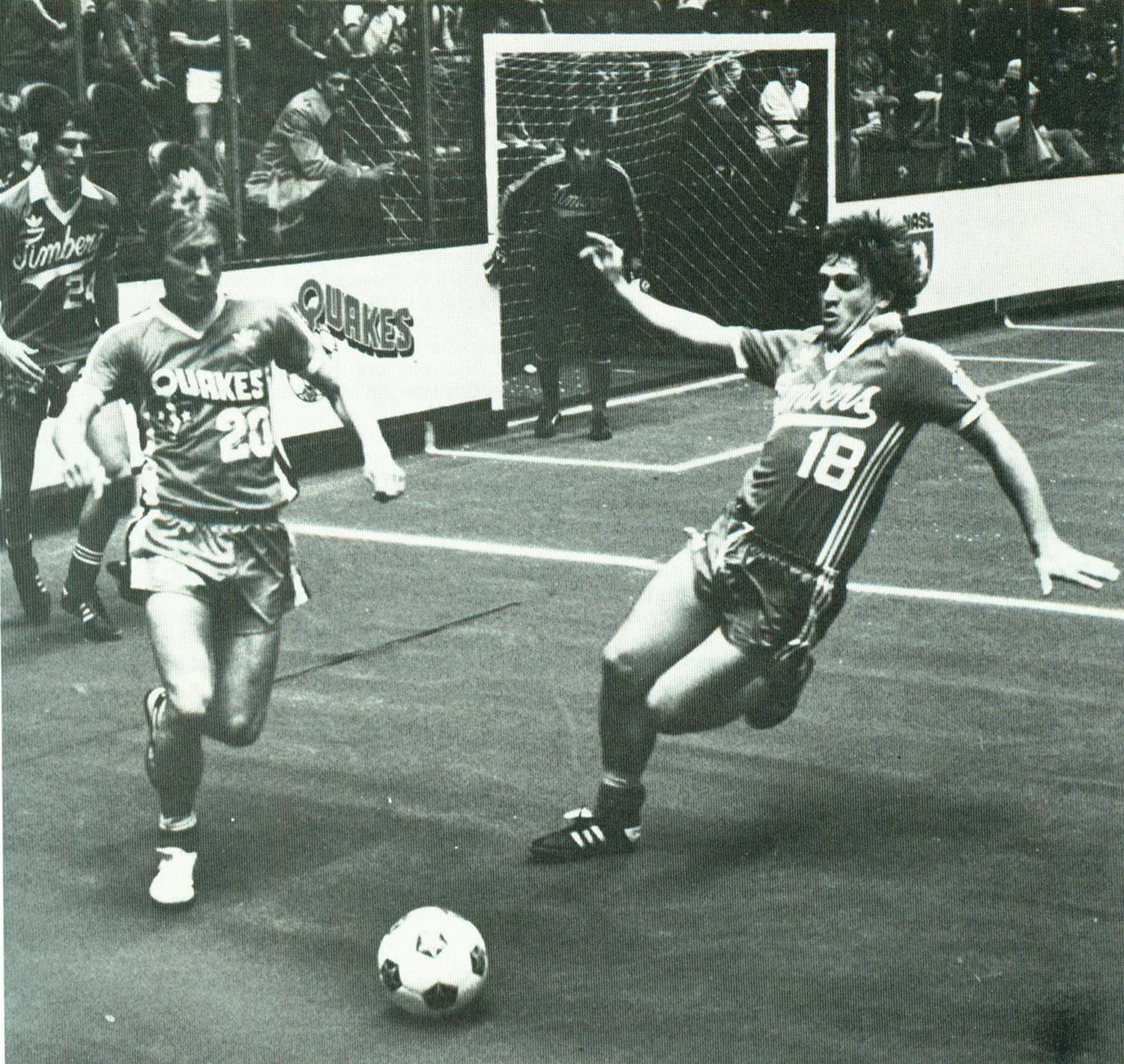 Earthquakes 81-82 Road Gary Etherington, Timbers.jpg