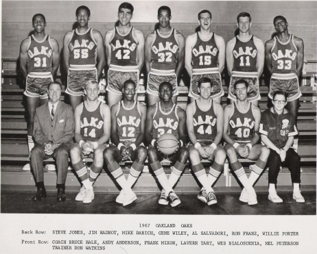 Oaks 67-68 Road Team.jpg