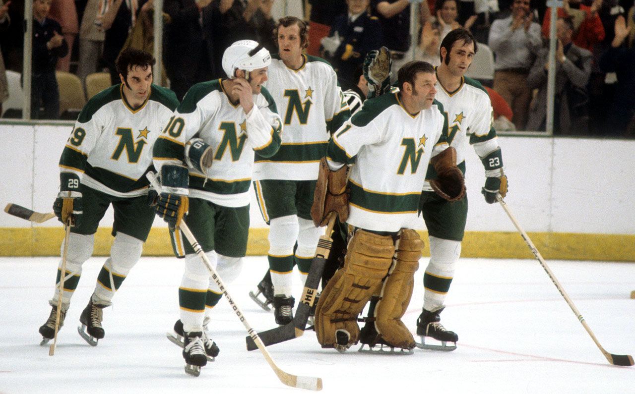 Minnesota-North-Stars-Gump-Worsley.jpg