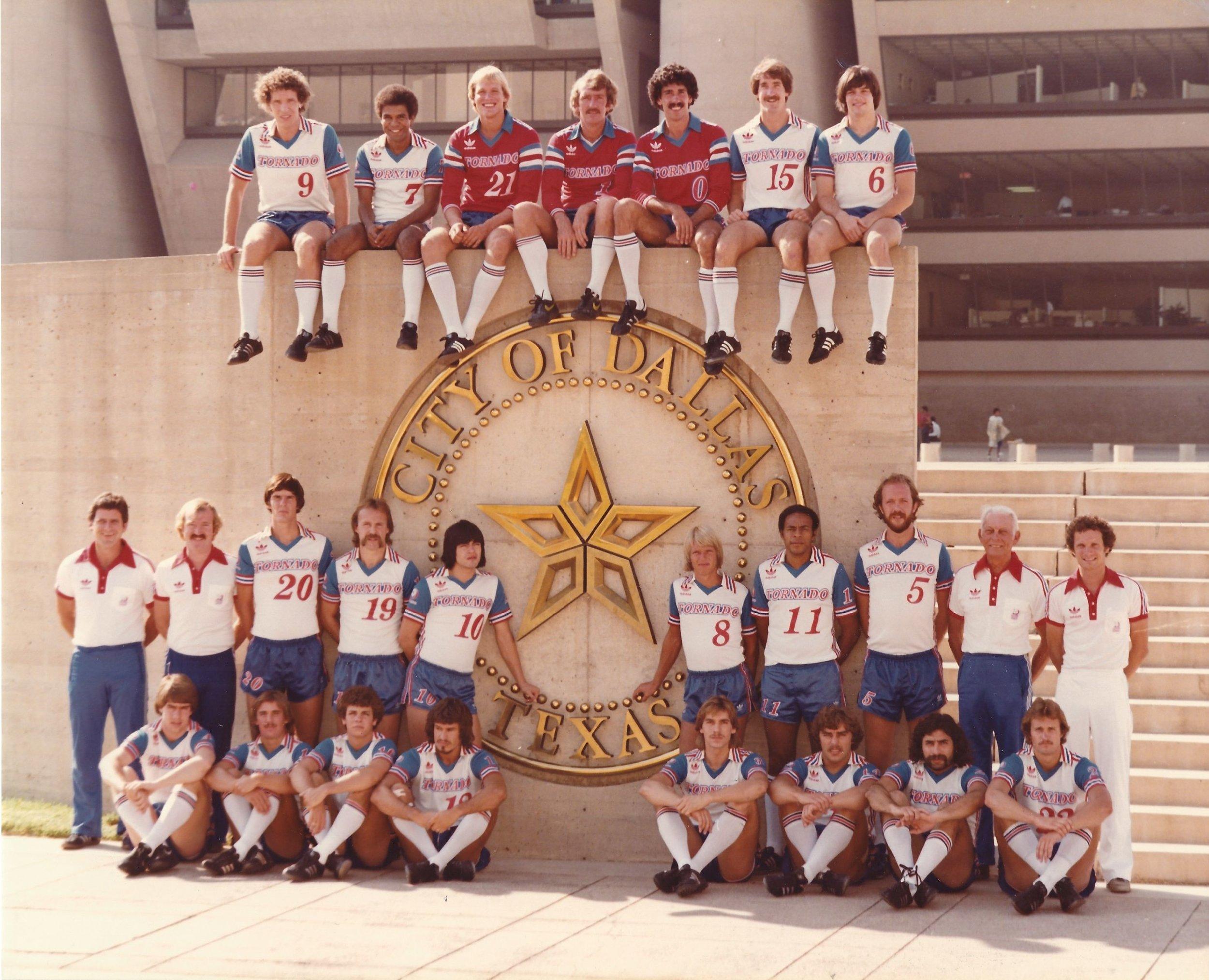 1980 NASL Dallas Tornado Team Picture.jpg