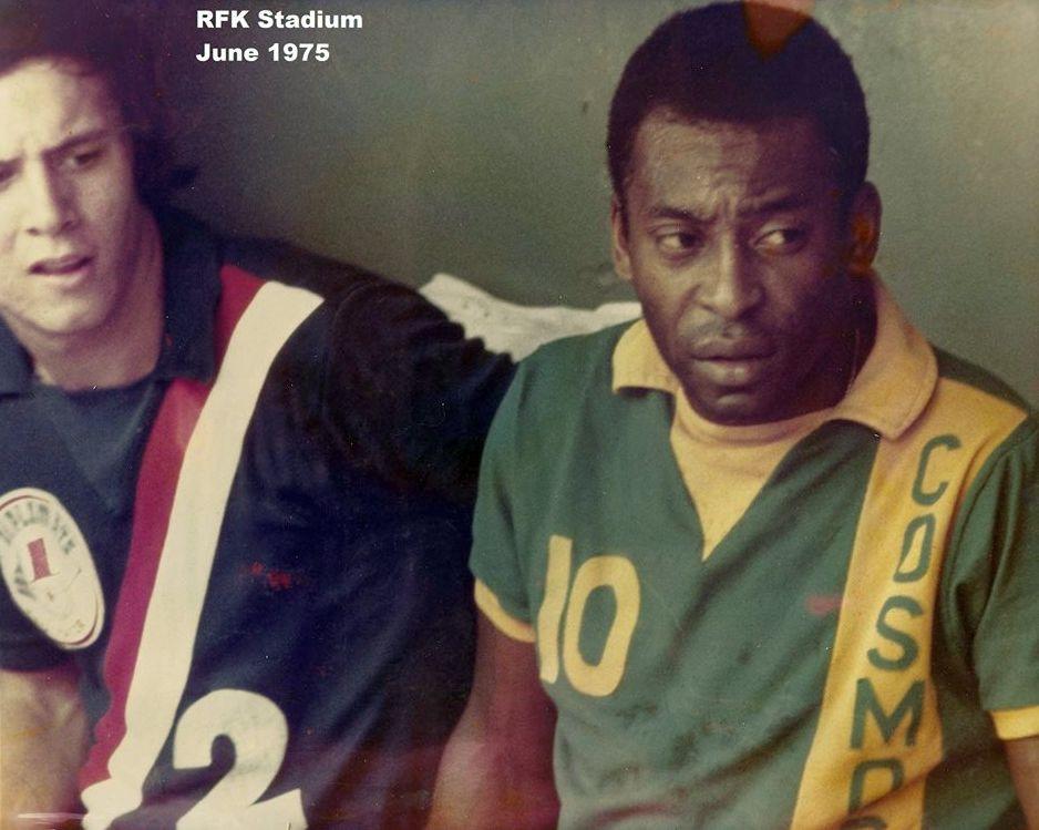 Alan Ross & Pele.jpg