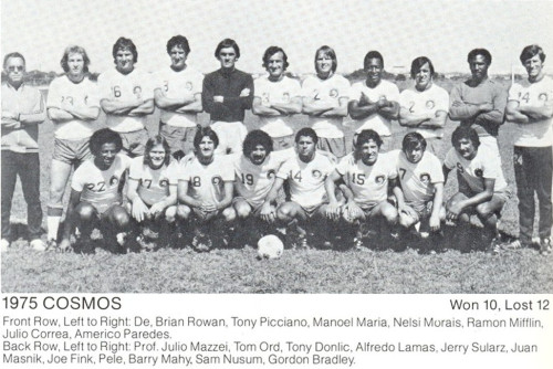1975-cosmos-with-mazzei-and-pele.jpg