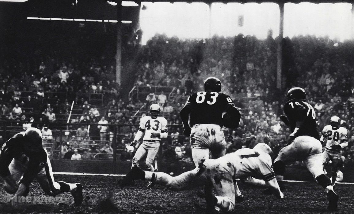 1950s-NFL-FOOTBALL-Chicago-Bears-Detroit-Lions.jpg