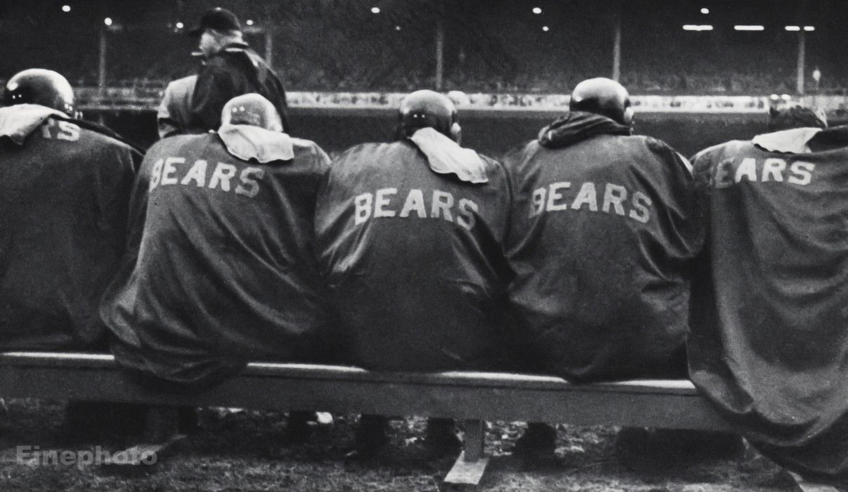 1950s-NFL-FOOTBALL-Game-Bench-CHICAGO-BEARS-Athletes.jpg