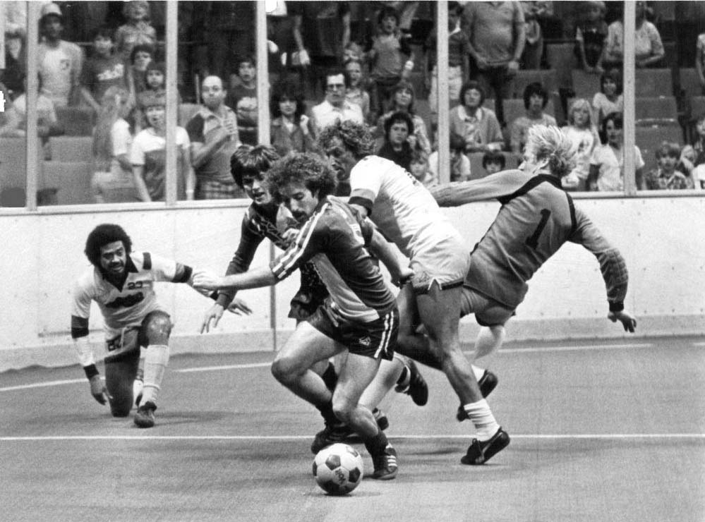 Avalanche 81-82 Home Back Marcelo Curi, Inferno.jpg