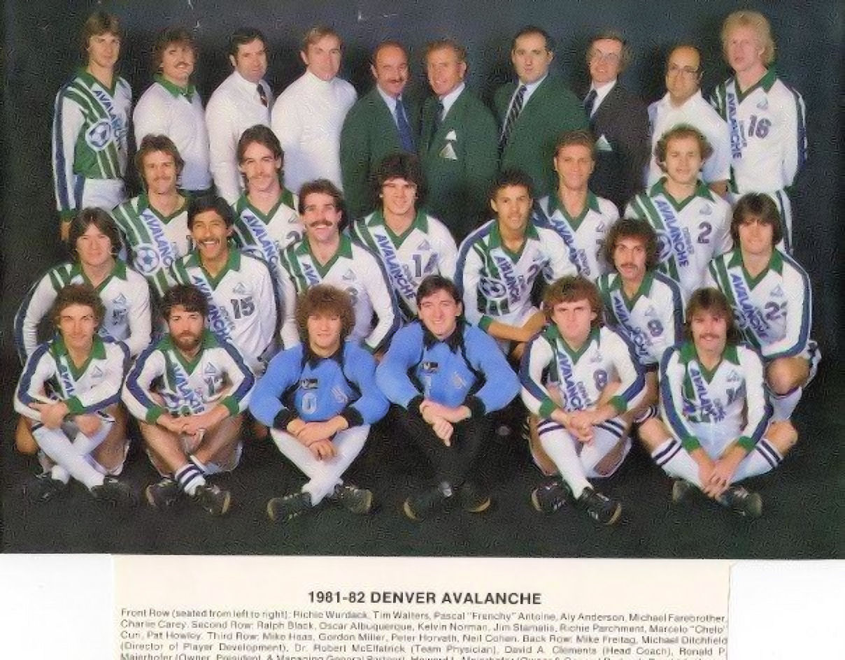 Avalanche 81-82 Road Team.jpg