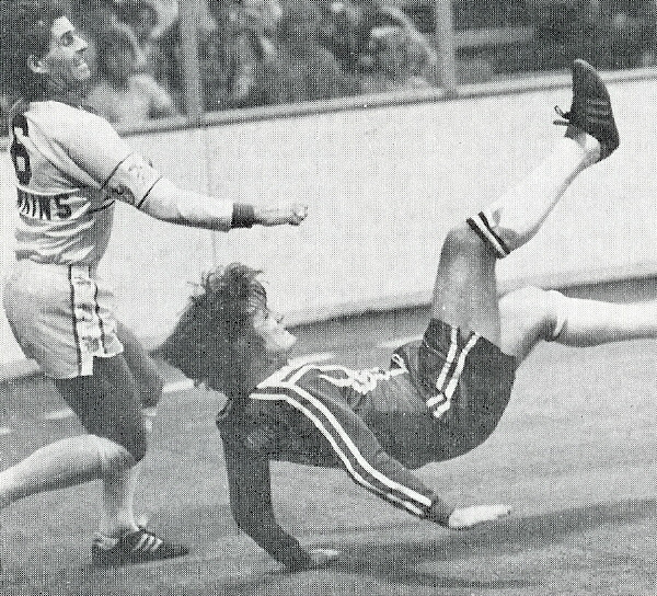AVALANCHE_PHOTO_CAREY_ACTION_HITCHKICK_1981-82.jpg