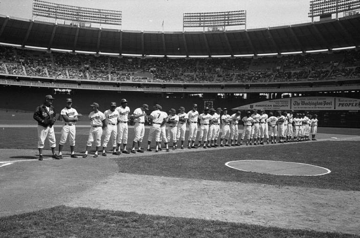 Washington_Senators_1971_04926v.jpg