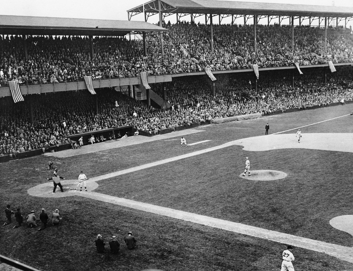 washington-senators-griffith-stadium.jpg