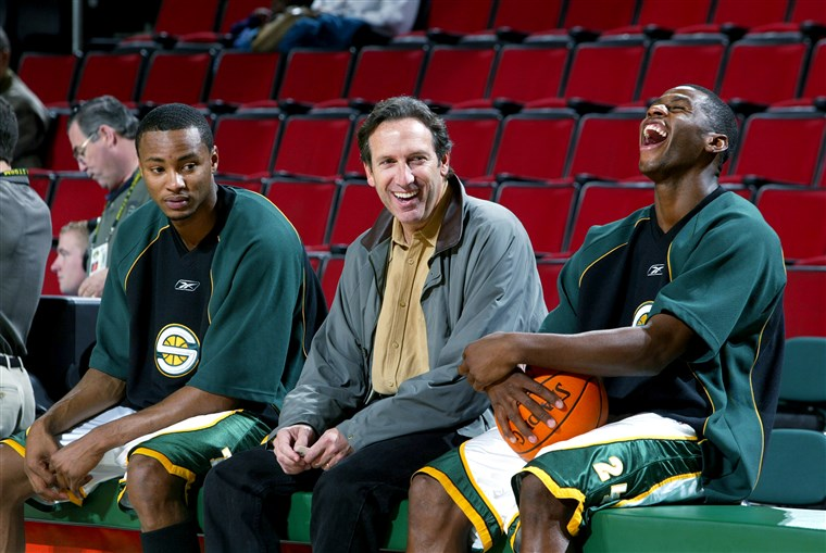 190202-howard-schultz-seattle-sonics-ew-604p_2f257c71ca6d3ef8c1718a5df99c01fa.fit-760w.jpg