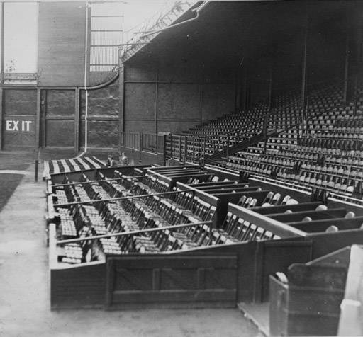 Dunn-Field-empty-stands-League-Park-1930.jpg