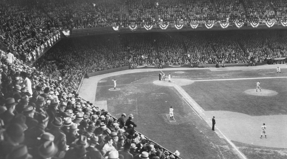 Dunn_Field_League_Park_1935_CP02472.jpg