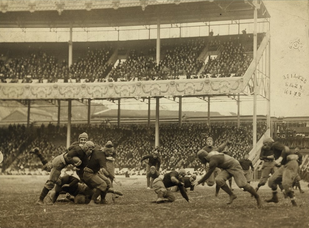 Army_-_Navy_football_at_Polo_Grounds.jpg