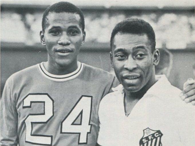 Chiefs 68 Road Kaizer Motaung, Santos Pele Exh.jpg