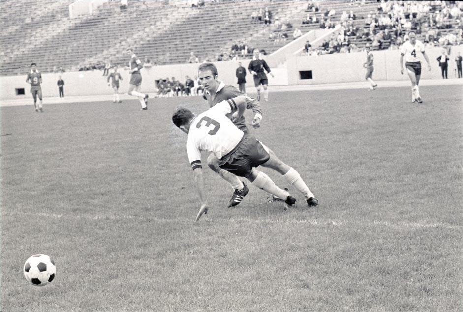Stars 67 HOme Back Ilija Tojacic, Spurs 4-16-1967.jpg