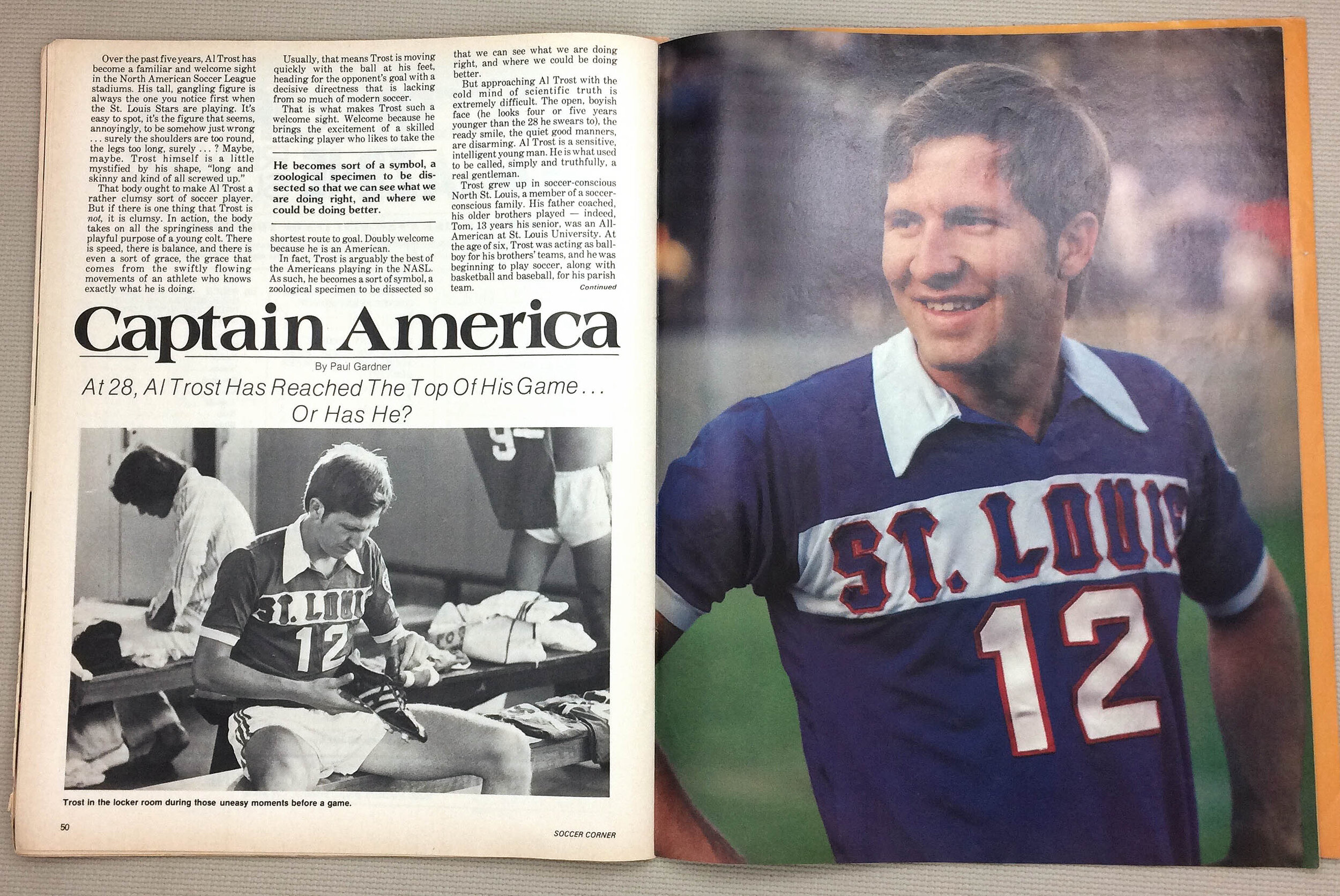 soccer-nasl-soccer-corner-june-1977-issue-L.jpg