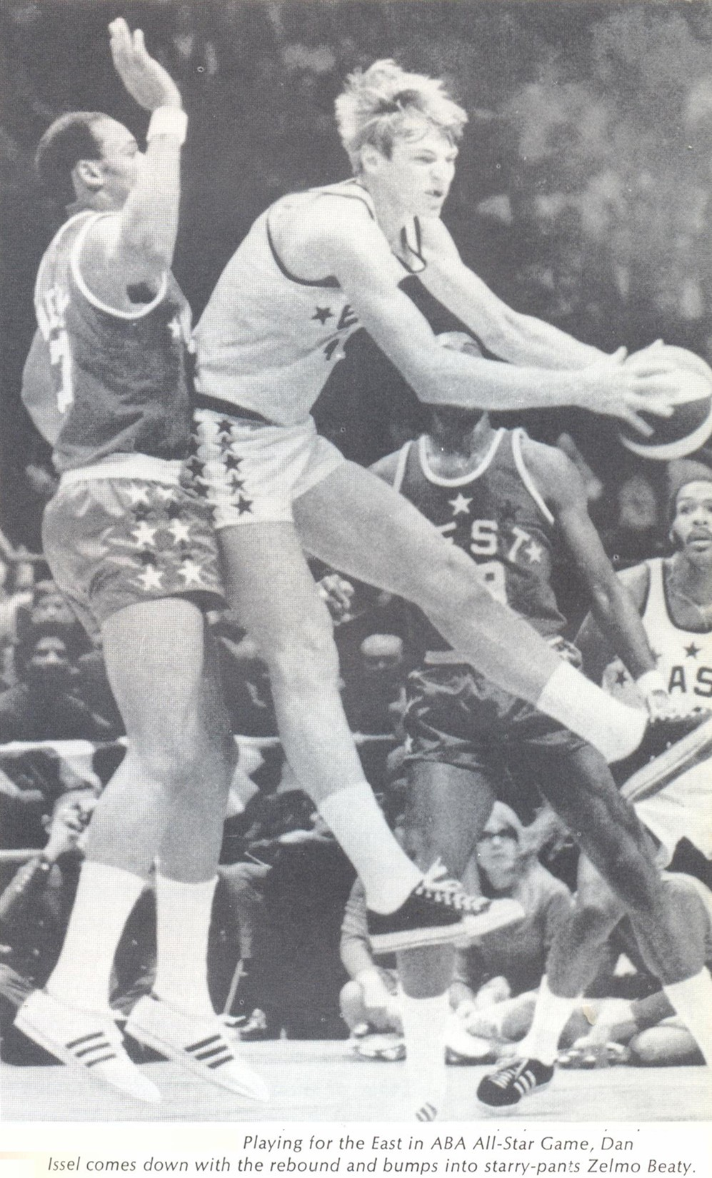 All-Star 70-71 East Dan Issel, Zelmo Beaty.jpg