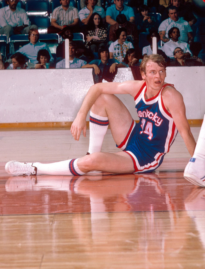 Colonels 74-75 Road Dan Issel.jpg