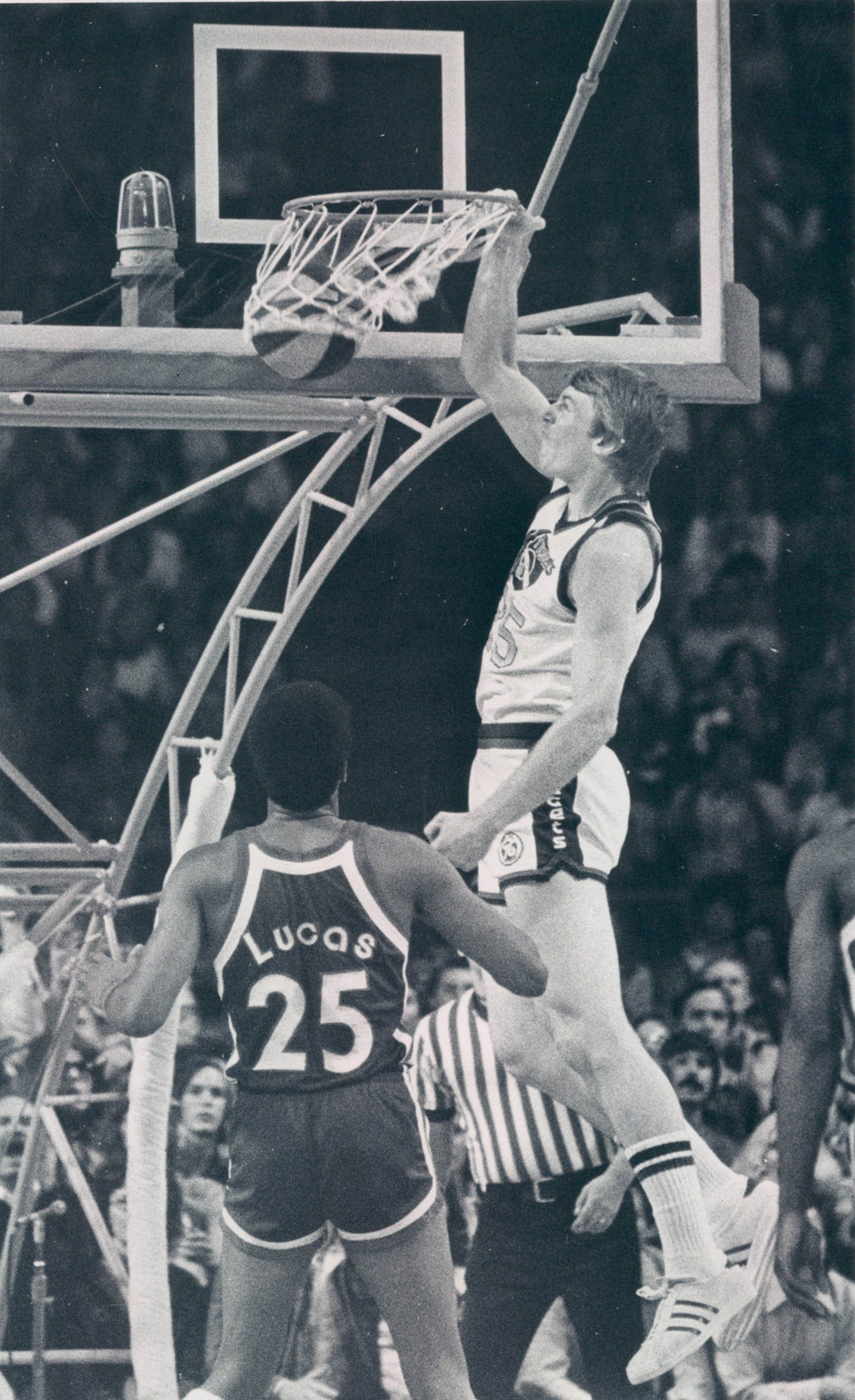 Nuggets 75-76 Home Dan Issel, Colonels (2).jpg