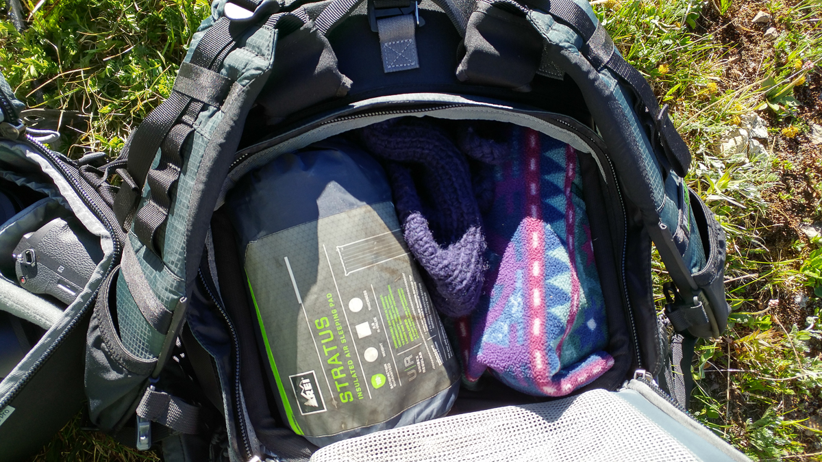 Back panel access made it easy to reach non-photography items in the pack's top compartment