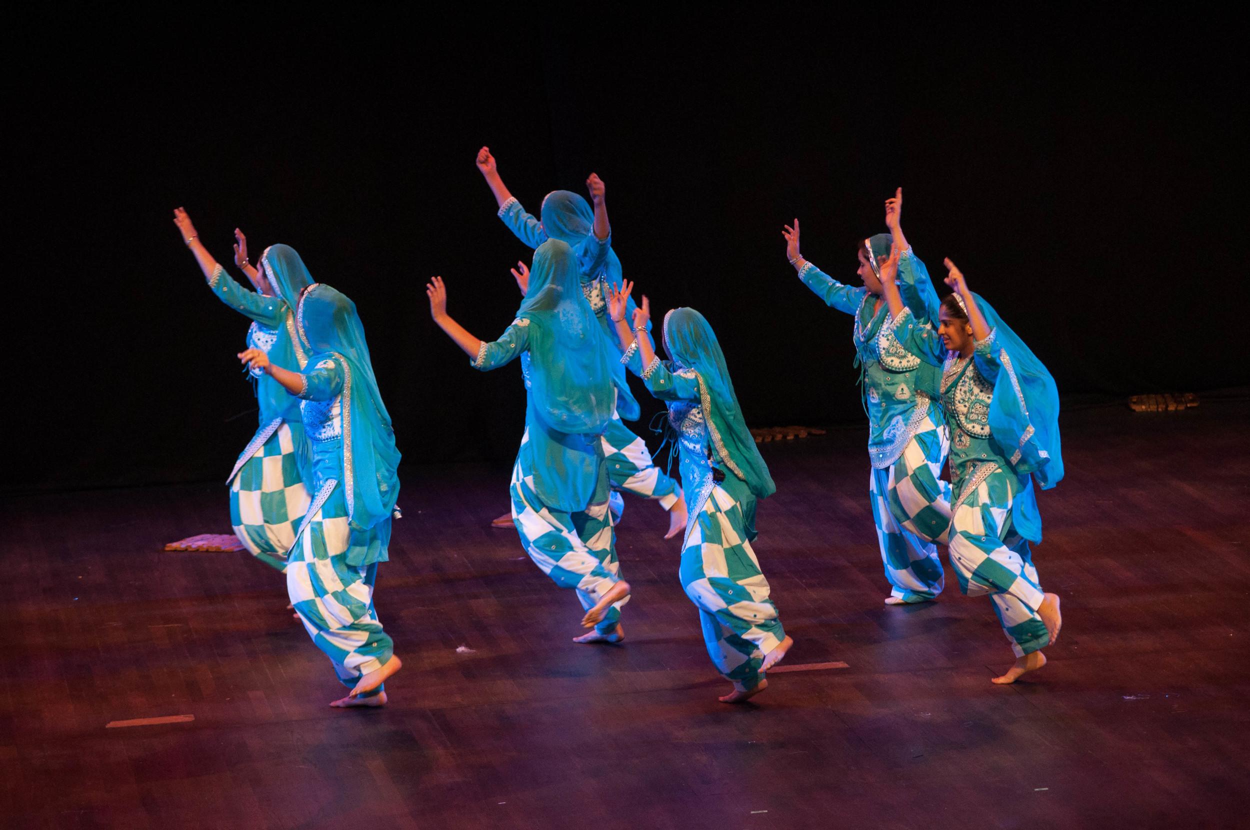 Smalltown Bhangra Team