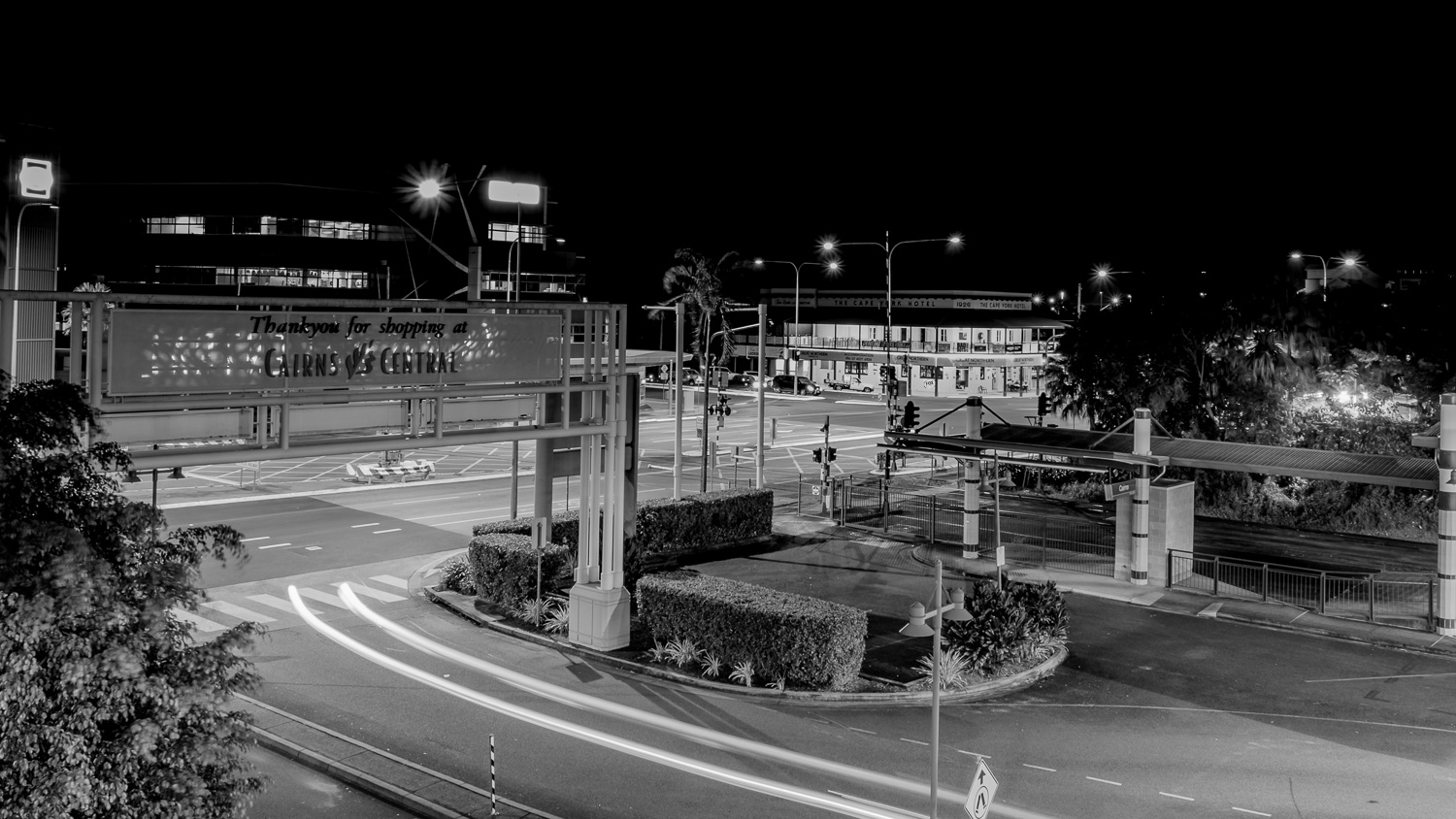 cairns.night.blackandwhite