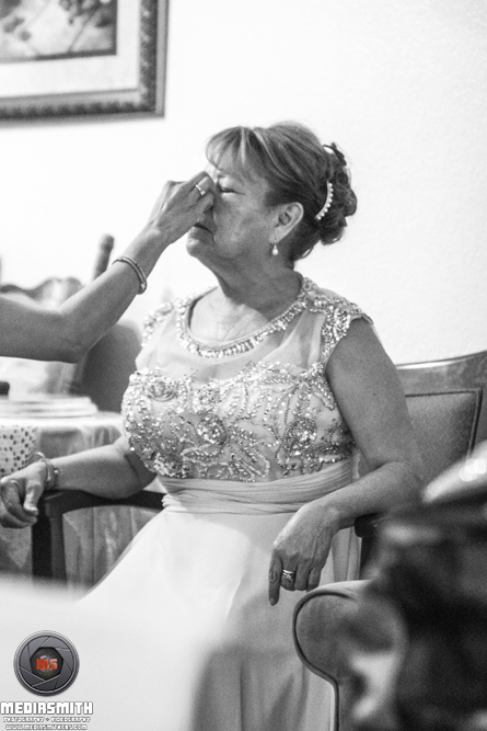 Anniversary Photography: Preparing the Wife