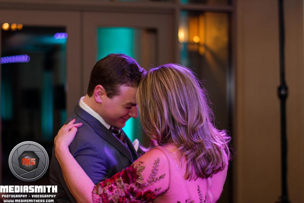 Tucson_AZ_Wedding_Mother_Son_Dance_6
