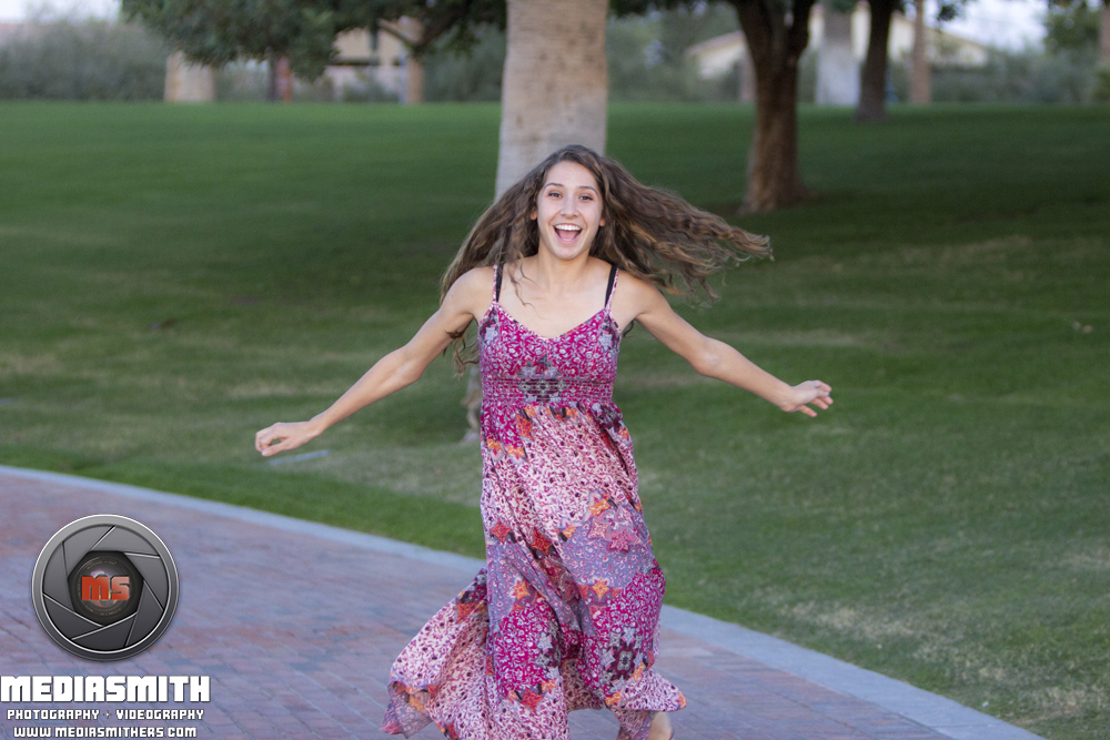 Starpointe_Residents_Club_Goodyear_AZ_Senior_Portraits_Graduation_Spinning_Girl