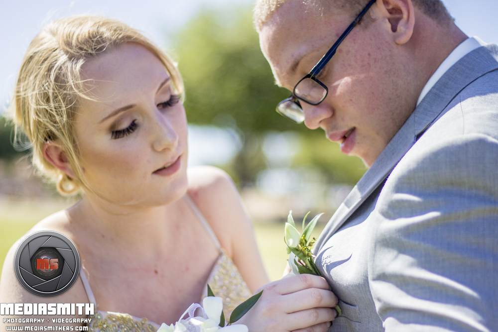 Portrait_Photography_Surprise_AZ_Girlfriend_Boyfriend_Pinning