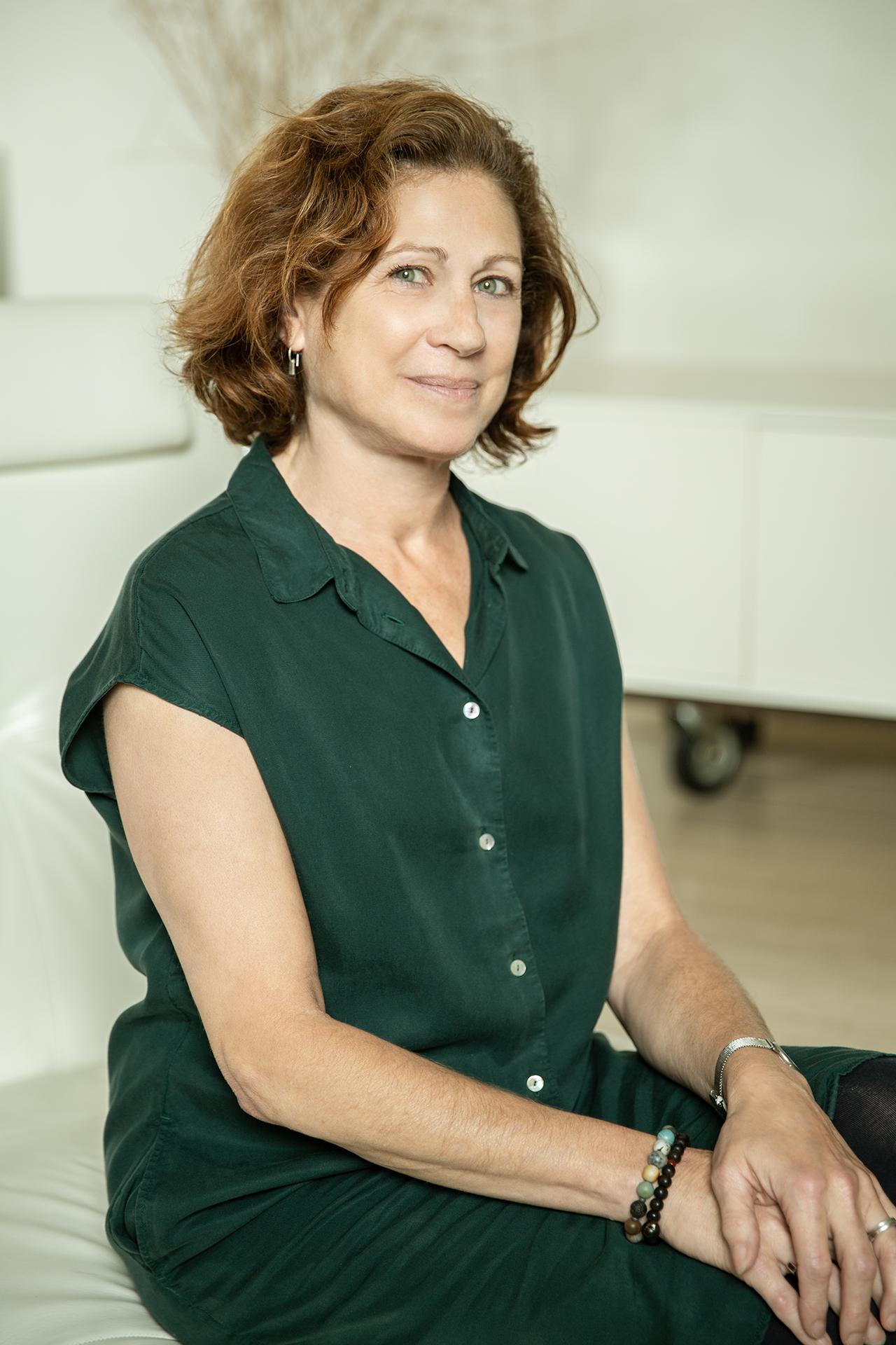 Adrienne Altenhaus    Yoga Teacher