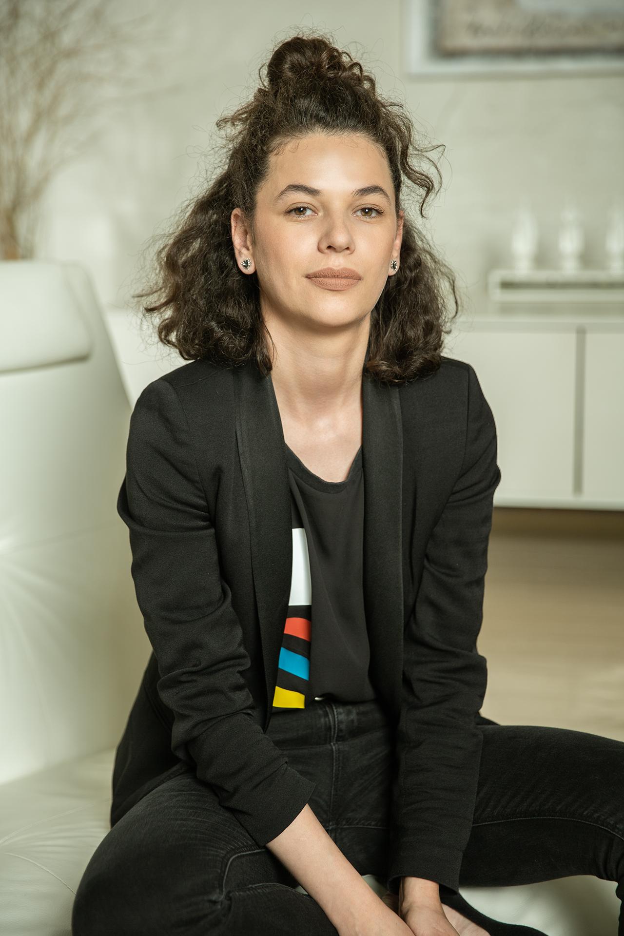 Melania Nitu    Studio Host