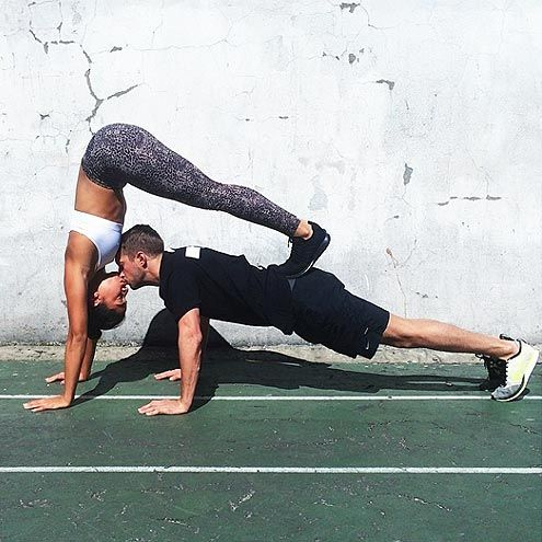 yoga-duo-acro-couple.jpg