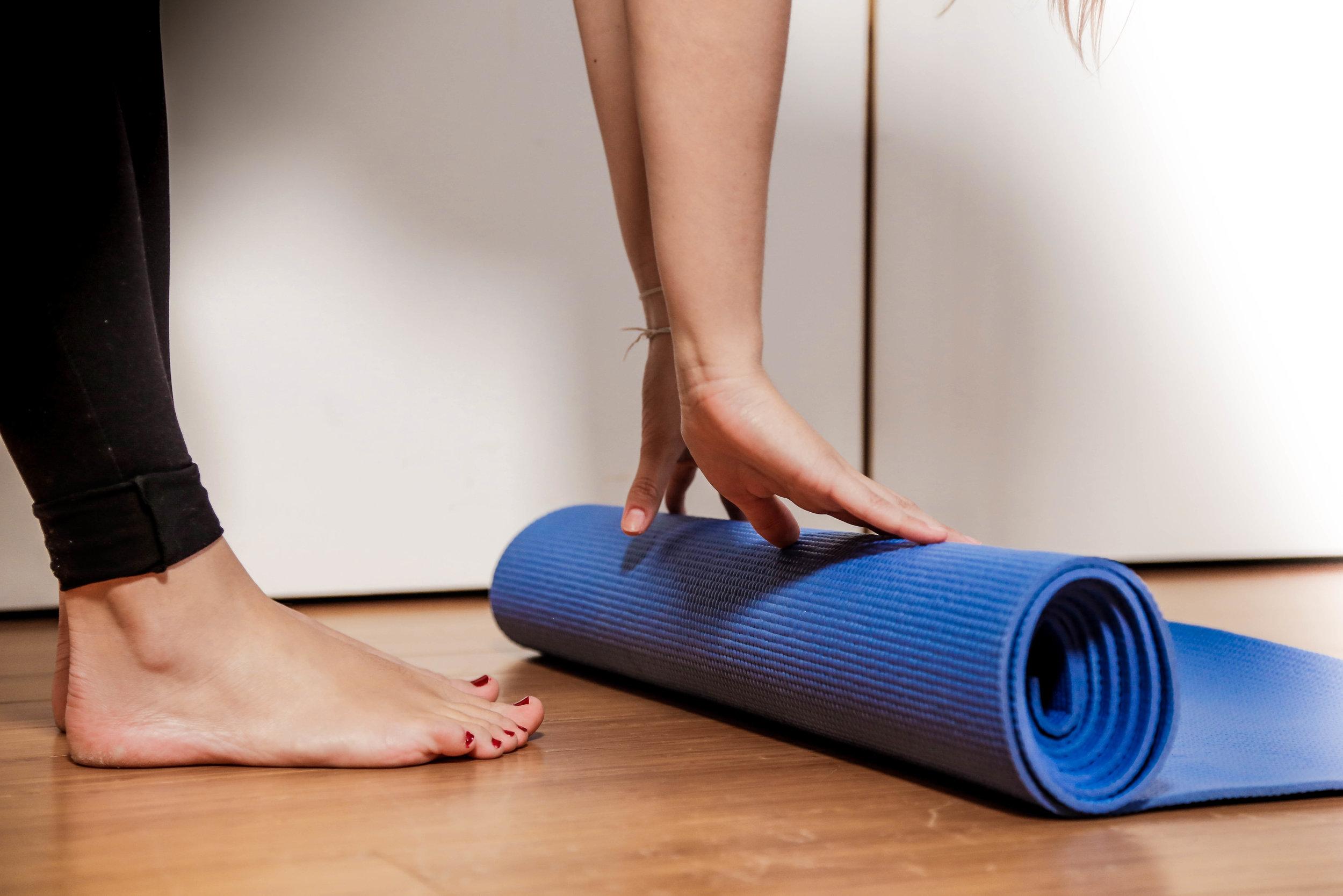 /écologique /étirements entra/înement /à la Maison ou /à la Salle de Sport pour Homme et Femme Fitness pour Yoga Gymnastique Pilates MEGLIO Tapis de Yoga antid/érapant en TPE 8mm d/épaisseur