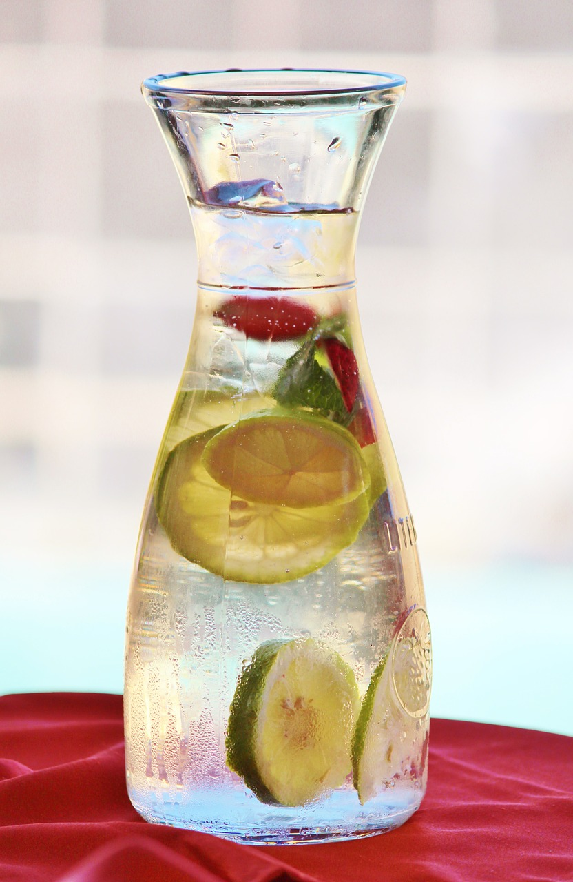 Glass-Carafe-Water-Strawberry-Lemon-Carafe-Drink-505203.jpg