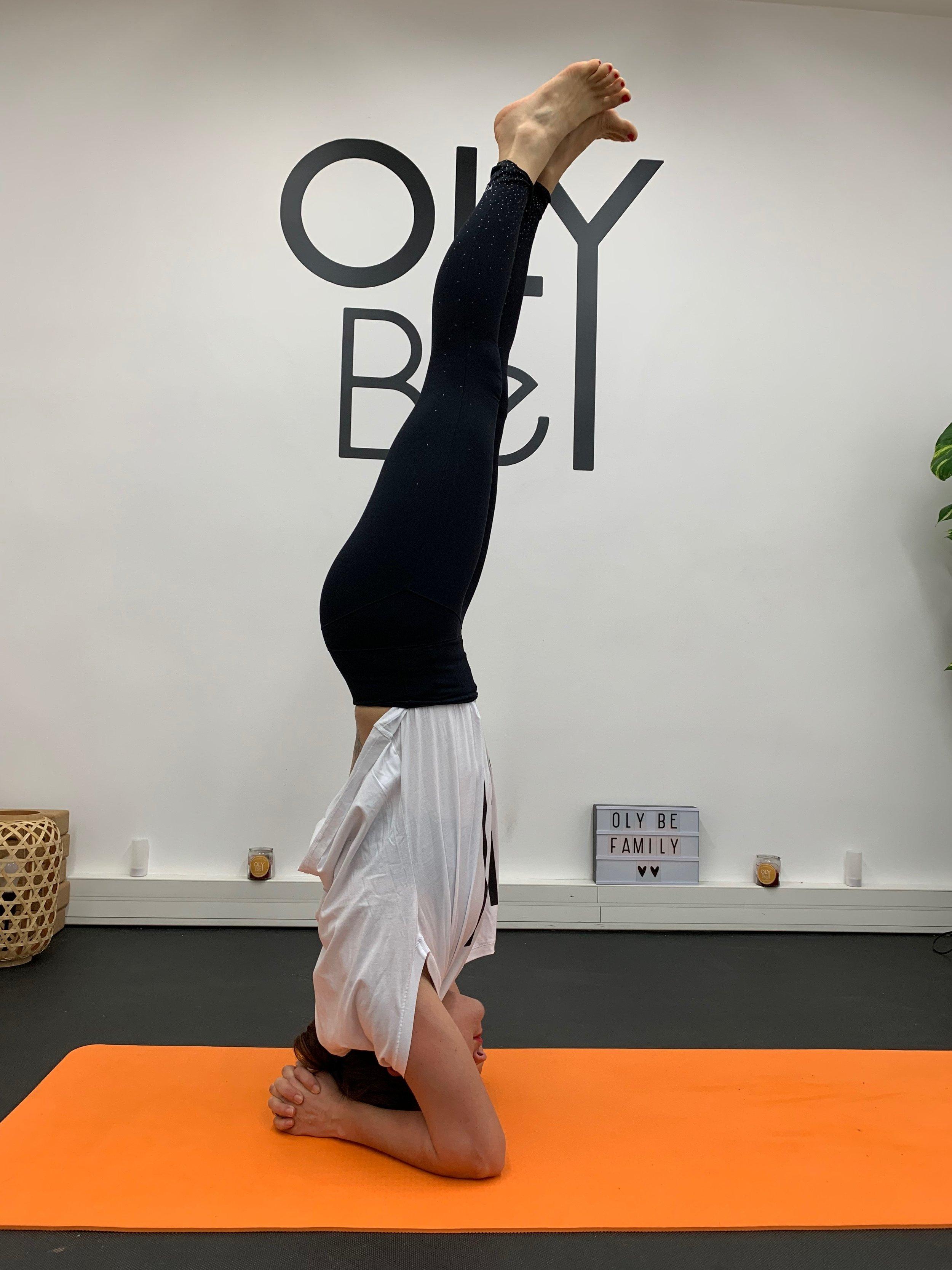 L'équilibre sur la tête ( Salamba Sirsasana )