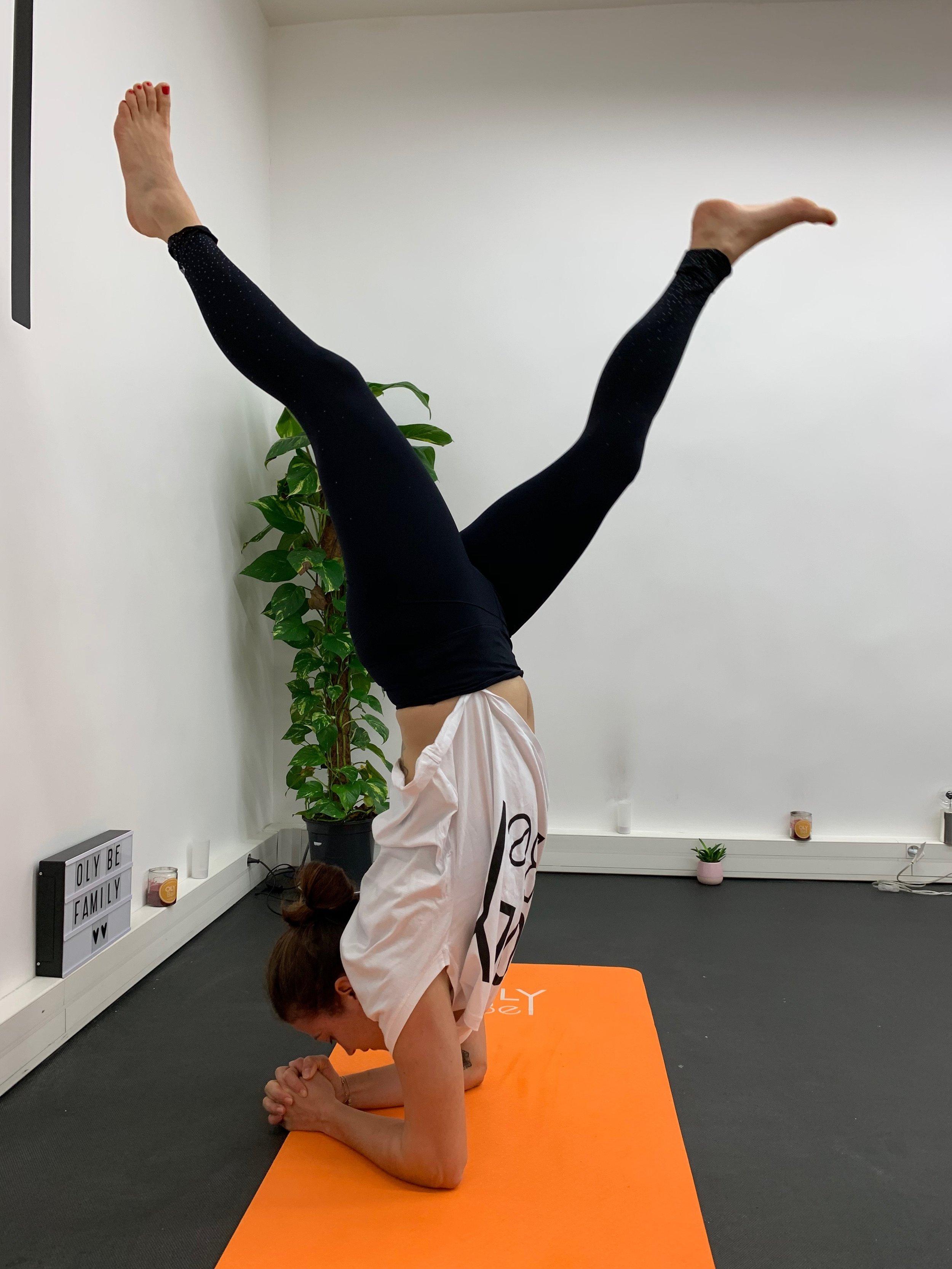 """L'équilibre sur les avant-bras ( Pincha Mayurasana , ou juste """"Pincha"""" pour les intimes)"""