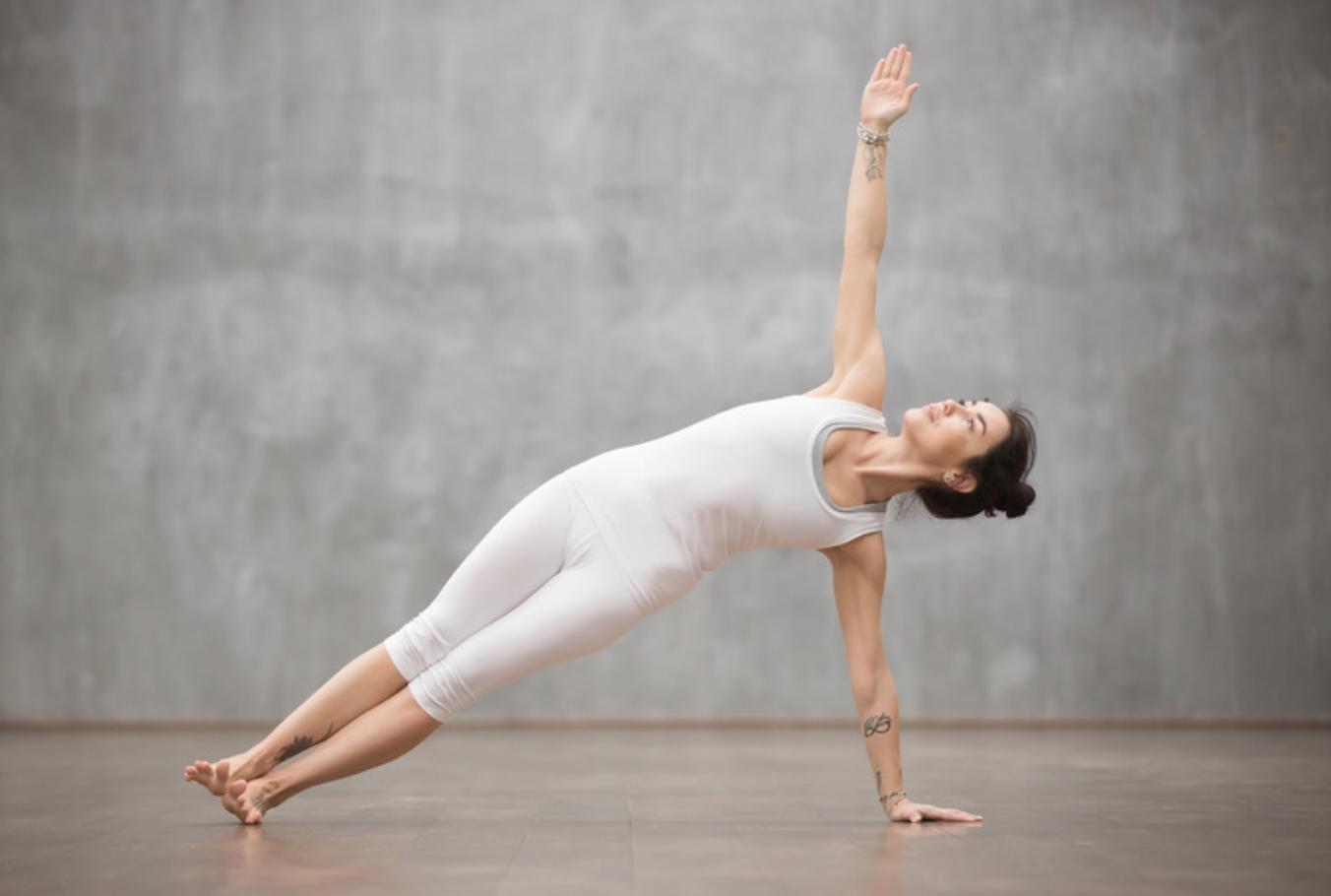 7 Postures De Yoga Pour Des Abdos En Beton Oly Be