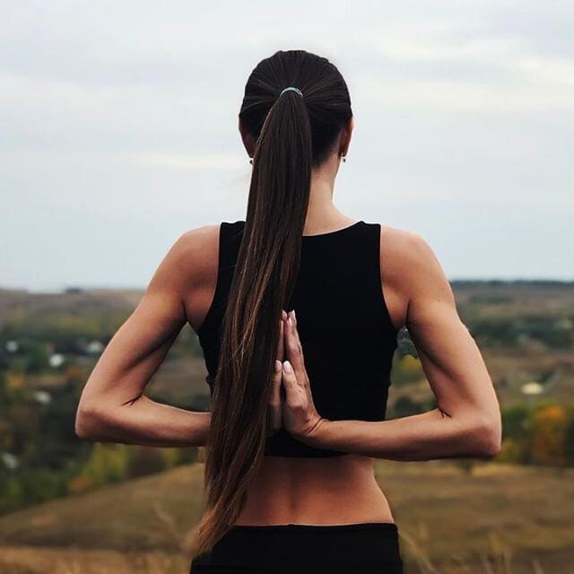 Fermez les yeux, laissez le vent vous caresser la peau et prenez votre plus belle posture de Yoga. ✨   Partagez avec la communauté une photo avec le #olybechallenge !  #olybe  #yoga #balance #yogachallenge #mindfulness #yogadaily #instayoga #wellness #healthy #motivation #inspiration