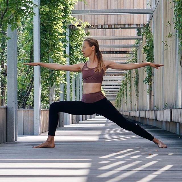 Quelle posture préférez-vous en Yoga ? Partagez-la nous avec le #olybechallenge ! 😉    #meditations #meditative #yogi #yogini #summer #summerbody #coursdeyoga #mediter #sport #yogaparis17 #yogaparis2 #yogaparis18 #olybe #olybees #olybeshine #olybeyoga
