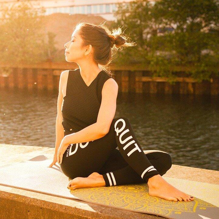 Quels sont les bienfaits que vous ressentez quand vous faites du Yoga ? Partagez votre plus belle posture de Yoga avec #olybechallenge ! ✨    #yoga #yogalife #yogafit #mood #fitness #yogabody #yogaparis #coursdeyoga #mediter #yoganantes #yogalille #yogamarseille #olybe #olybees #olybeshine #olybeyoga