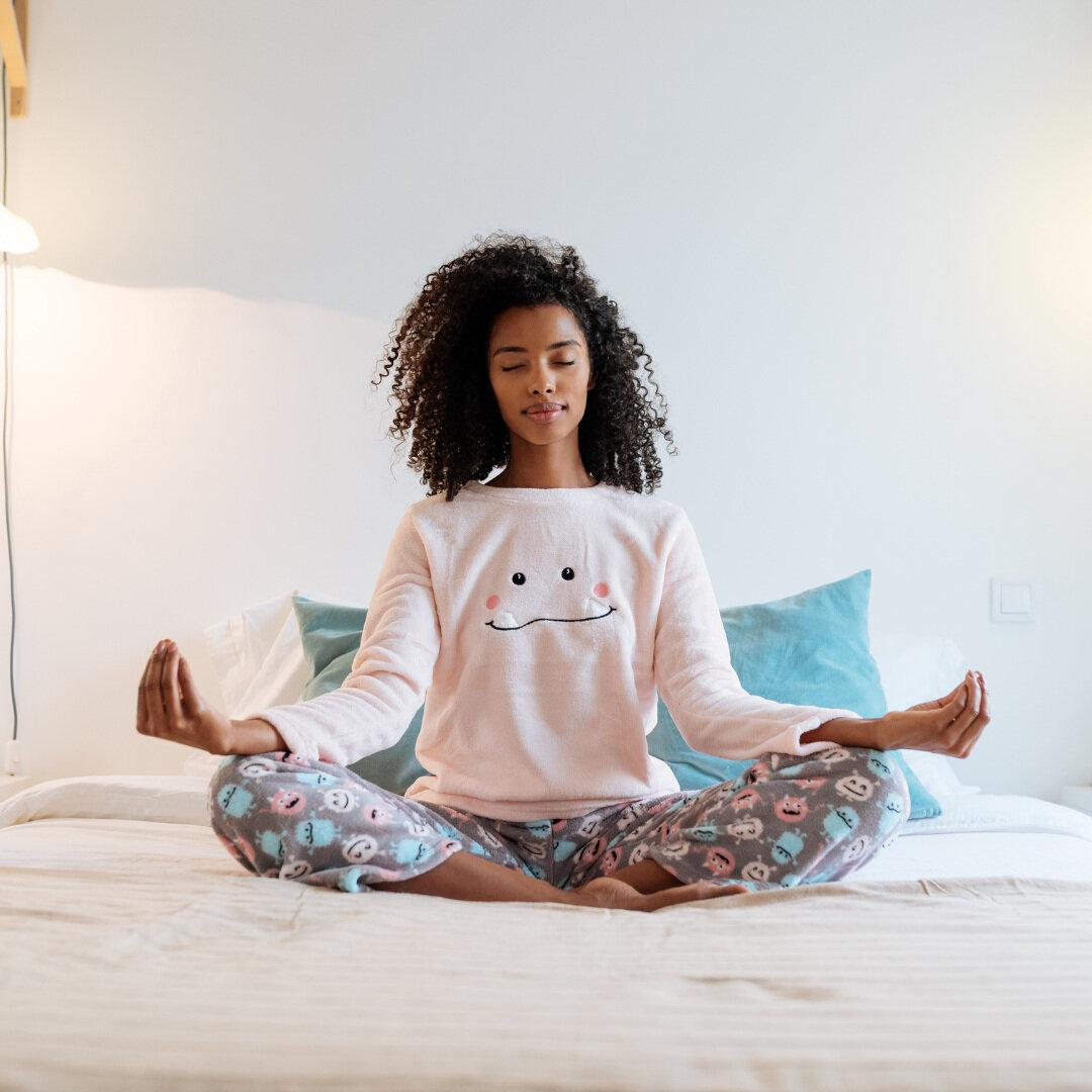 5 postures pour bien dormir -