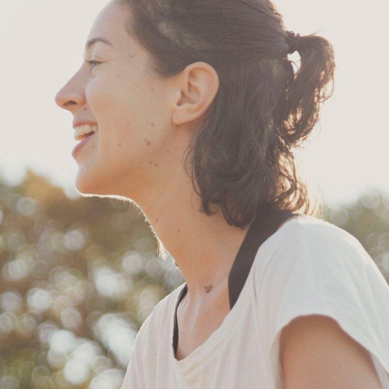 Marion  #yinyoga  Son sourire et sa bonne humeur suffiront à vous détendre en un clin d'oeil ;) Avec passion et écoute, les cours de Marion c'est votre nouveau rituel !